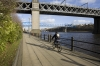 D22325 - Riverside path by the River Tyne